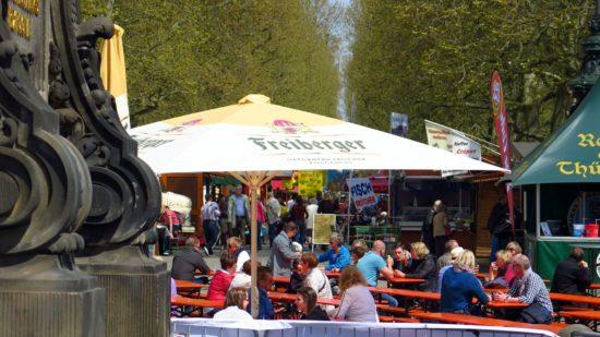 Biertrinken, Kurzgebratenes und Frühlingswetter