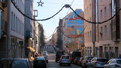 Louisenstraße im Mittagslicht