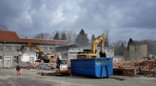 Abriss für neue Grundschule