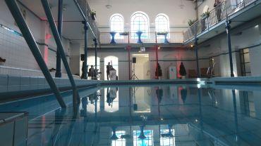 Drei Bahnen schwimmen und man hat 50 Meter geschafft.
