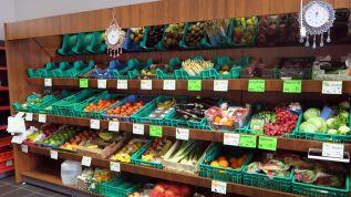 Frisches Obst- und Gemüse-Angebot