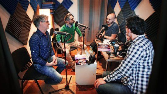 Thomas Walther und  Amac Garbe im Gespräch mit Lucas Görlach und Bony Stoev (v.l.)