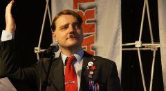 der Spitzenkandidat der PARTEI: Ph. Hencker