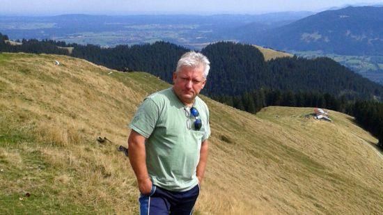 Erhard Sünder lebt heute in Bayern.