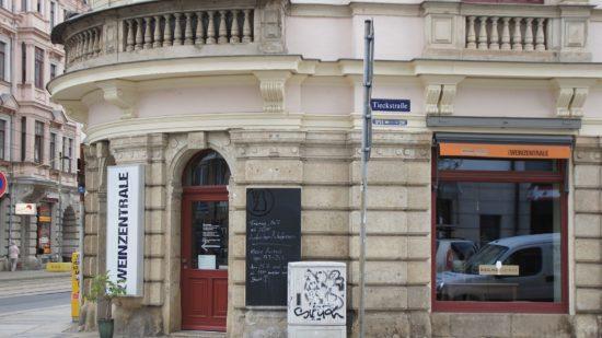 Die Weinzentrale an der Ecke Hoyerswerdaer Straße