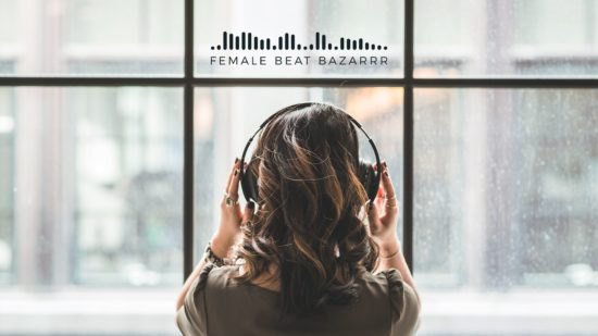 Female Beat Bazarrr in der Scheune