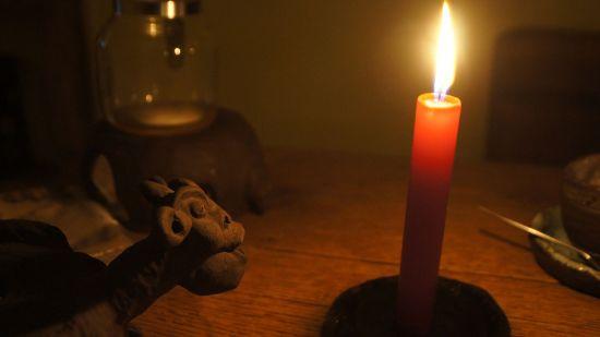Teedrachen und Kerzenschein im Teegadrom