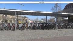 Fahrräder vor dem Neustädter Bahnhof