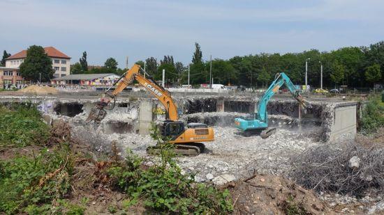 Die großflächige Tiefgarage muss dem geplanten Hotelneubau weichen. Foto: W. Schenk