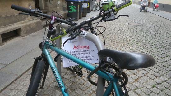 Fahrradparkplätze sind rar.