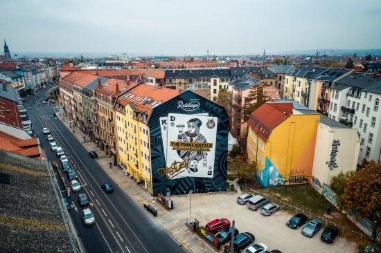 Neustadt mit Wandbild - Foto: Thomas Schlorke