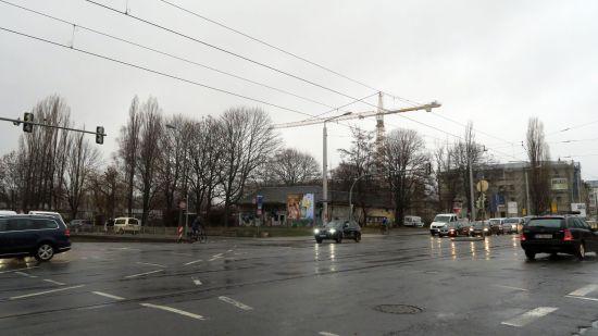 Schulstandort an einer viel befahrenen Kreuzung