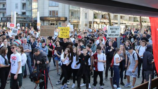 Demo auf der Hauptstraße