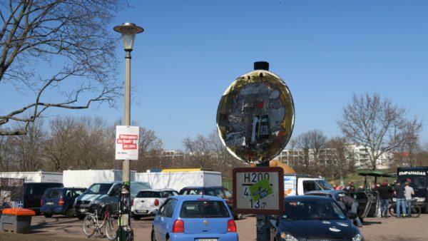 """Zeichen 250 nach StVO - """"Verbot für Fahrzeuge aller Art"""" - umgangssprachlich Durchfahrt verboten."""