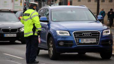 Polizeikontrolle am Schlesischen Platz.