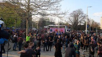 Versammlung am Albertplatz