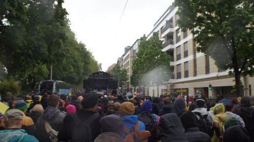 Parade auf dem Weg zum Postplatz