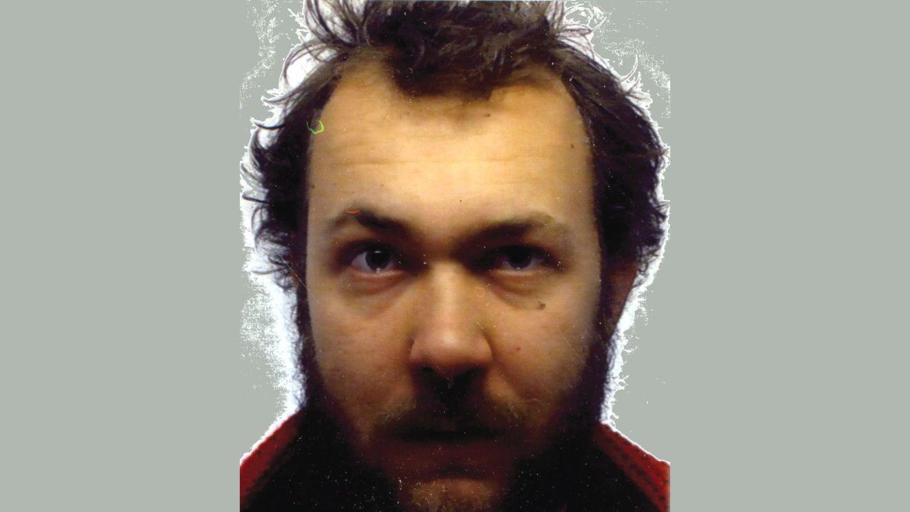 Max Aschenbach (34) - Künstler und Generalsektretär der Die Partei