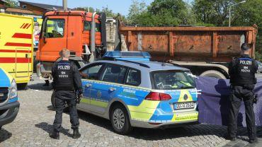 Tödlicher Verkehrsunfall an der Stauffenbergallee - Foto: Roland Halkasch