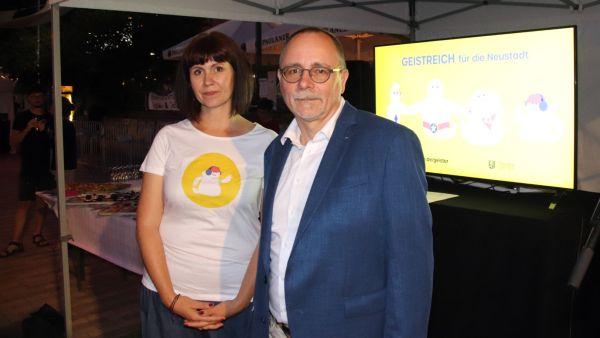 Neustadt-Kümmerin Manuela Möser und Amtsleiter André Barth