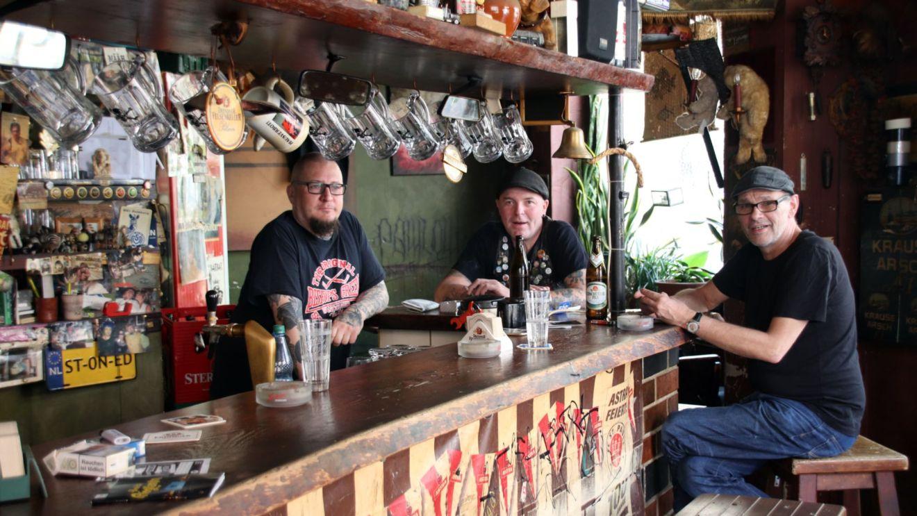 Männer mit Bier: Andi, Horschte, Günni