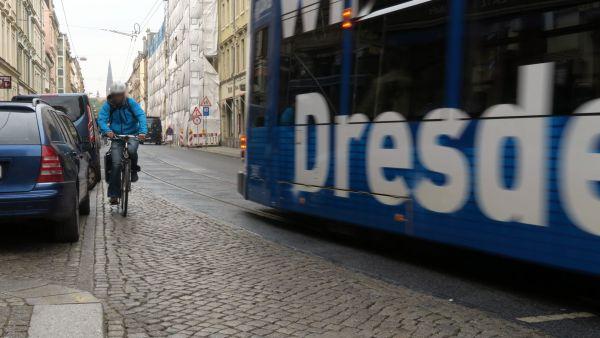 Fahren entgegen der Fahrtrichtung wurde als häufigster Verstoß bei Radfahrer*innen festgestellt.