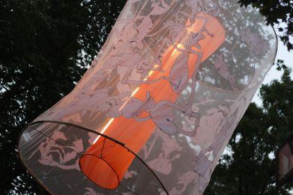 Leuchtobjekt von Muriel & César. Foto: Marcel Naujoks