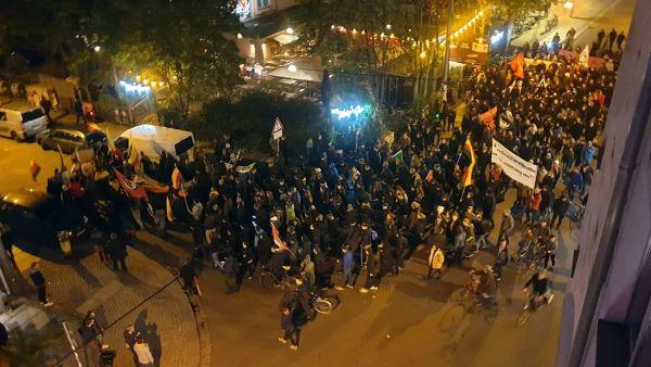 Demonstration durch die Neustadt