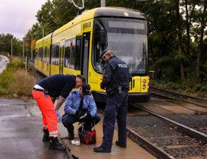Beschädigte Straßenbahn an der Hellersiedlung - Foto: Tino Plunert