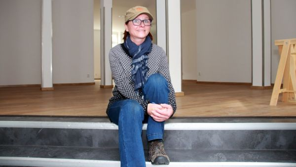 Berit Heller in den neuen Räumen des Lose-Ladens.