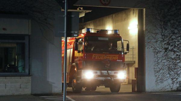 Feuerwehr im Einsatz in der JVA am Hammerweg. Foto: Roland Halkasch