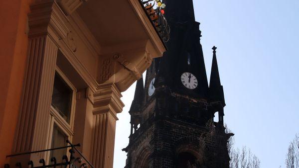 Kurz nach Zwölf war die Uhr stehen geblieben.
