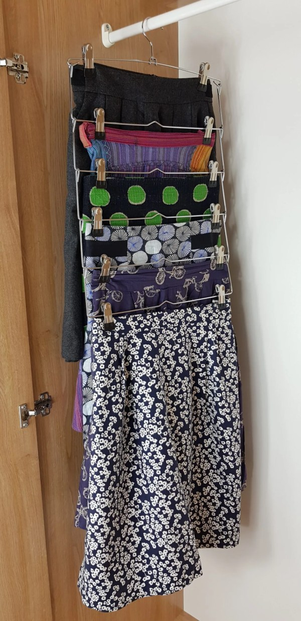 6 skirt hanger in use
