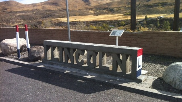 IT'S AN L!…….IT'S AN L!……Lincoln Highway Rails from I-80