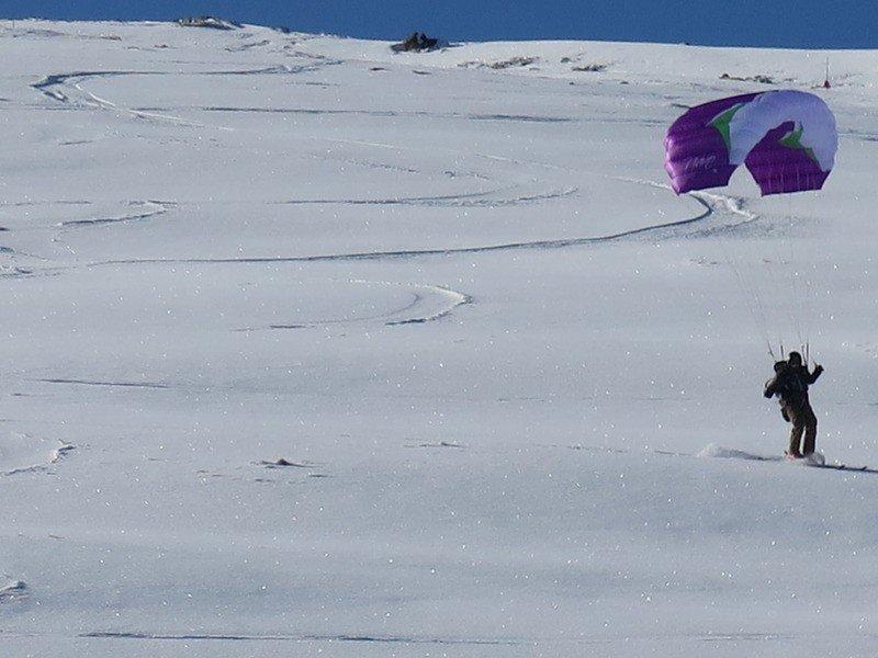 Disfrutando en Cogulla con nieve recién caída.