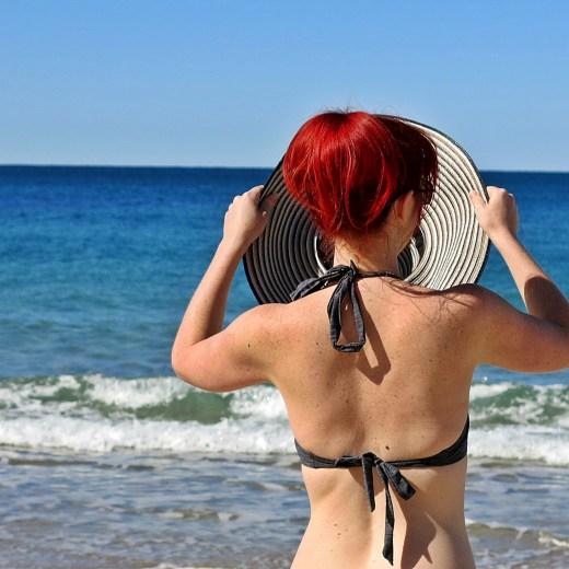 Never Ending Honeymoon | Jacqui Swimming at Kings Beach, Caloundra