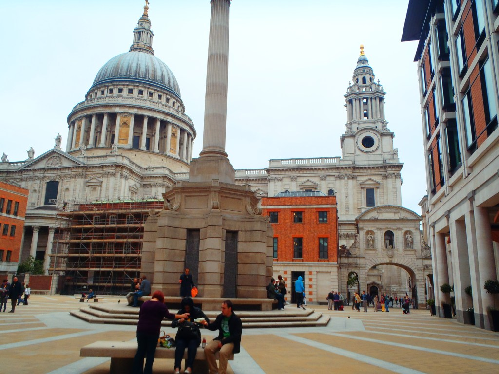 Never Ending Honeymoon | Lunch at St Paul's Cathedral, London