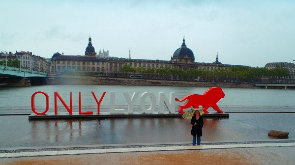 Never Ending Honeymoon | Jacqui and the Only Lyon sign in Lyon, France