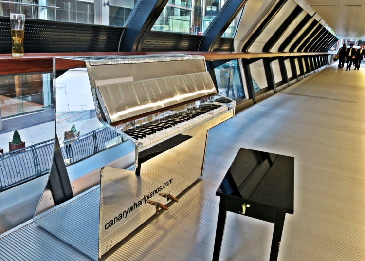 IMG_3352 piano at canary wharf