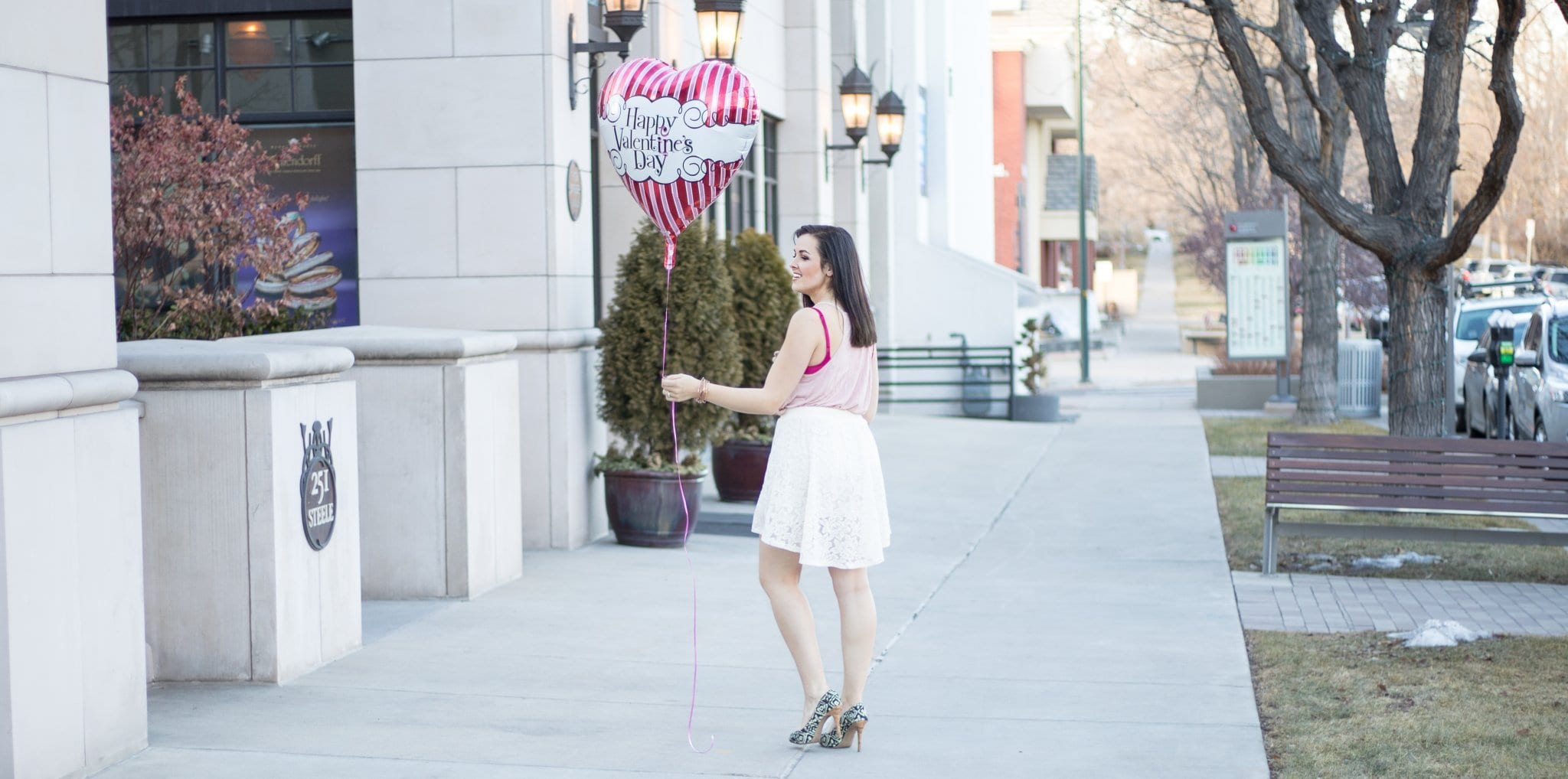 Valentines Day Outfit | Vday outfit inspo | Date night look | Happy Valentines day Balloon | Cute white and pink outfit