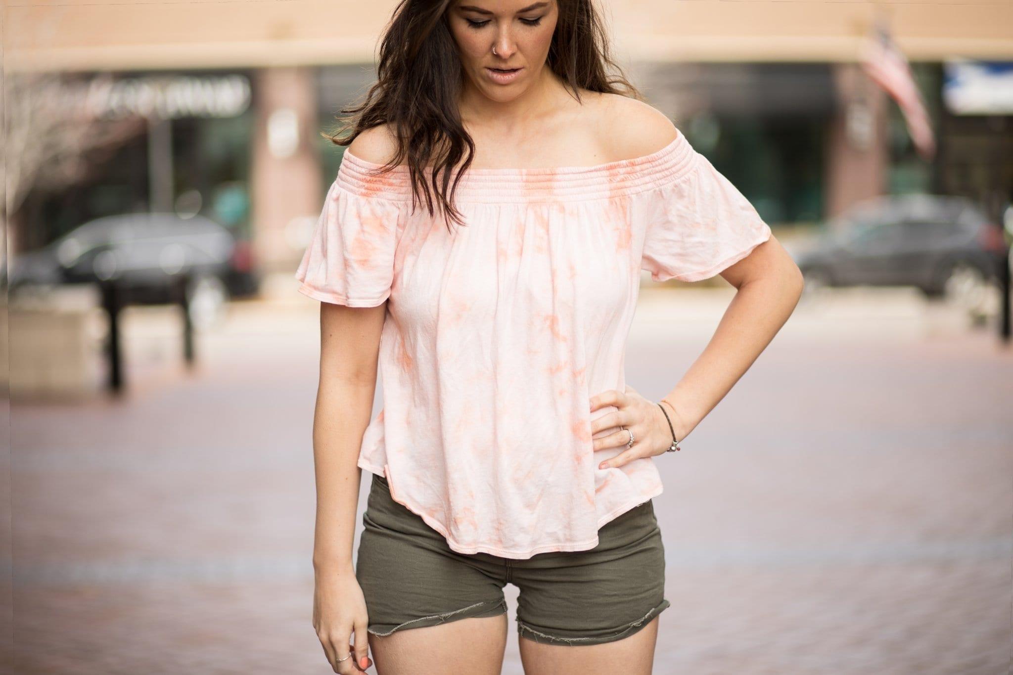 off shoulder tops for spring | spring style | pink off shoulder | army green shorts | Off shoulder top | Never Skip Brunch