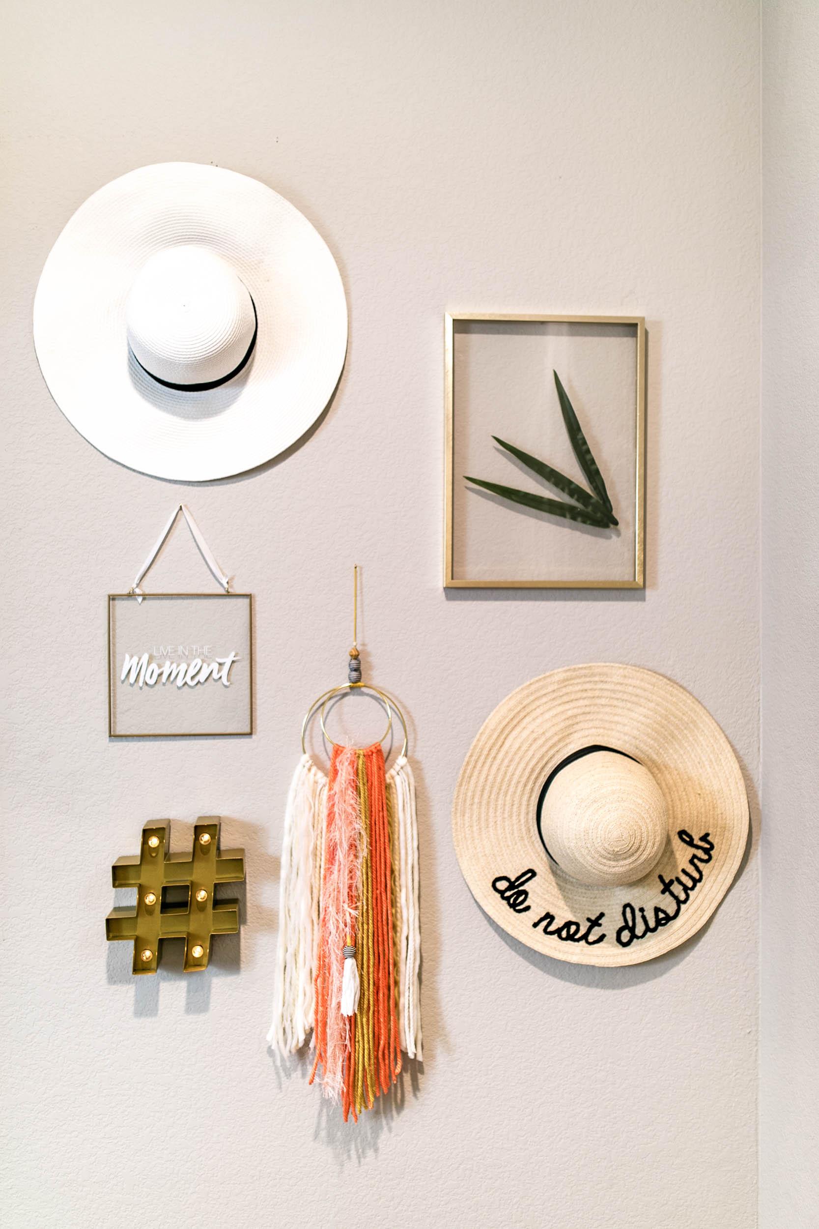 SUPER EASY Wall Hanging DIY   yarn wall hanging   Fringe Wall hanging   macrame wall hanging   macrame wall hanging diy   yarn wall hanging diy tutorials   Never Skip Brunch by Cara Newhart   #neverskipbrunch #DIY #decor #yarn #boho