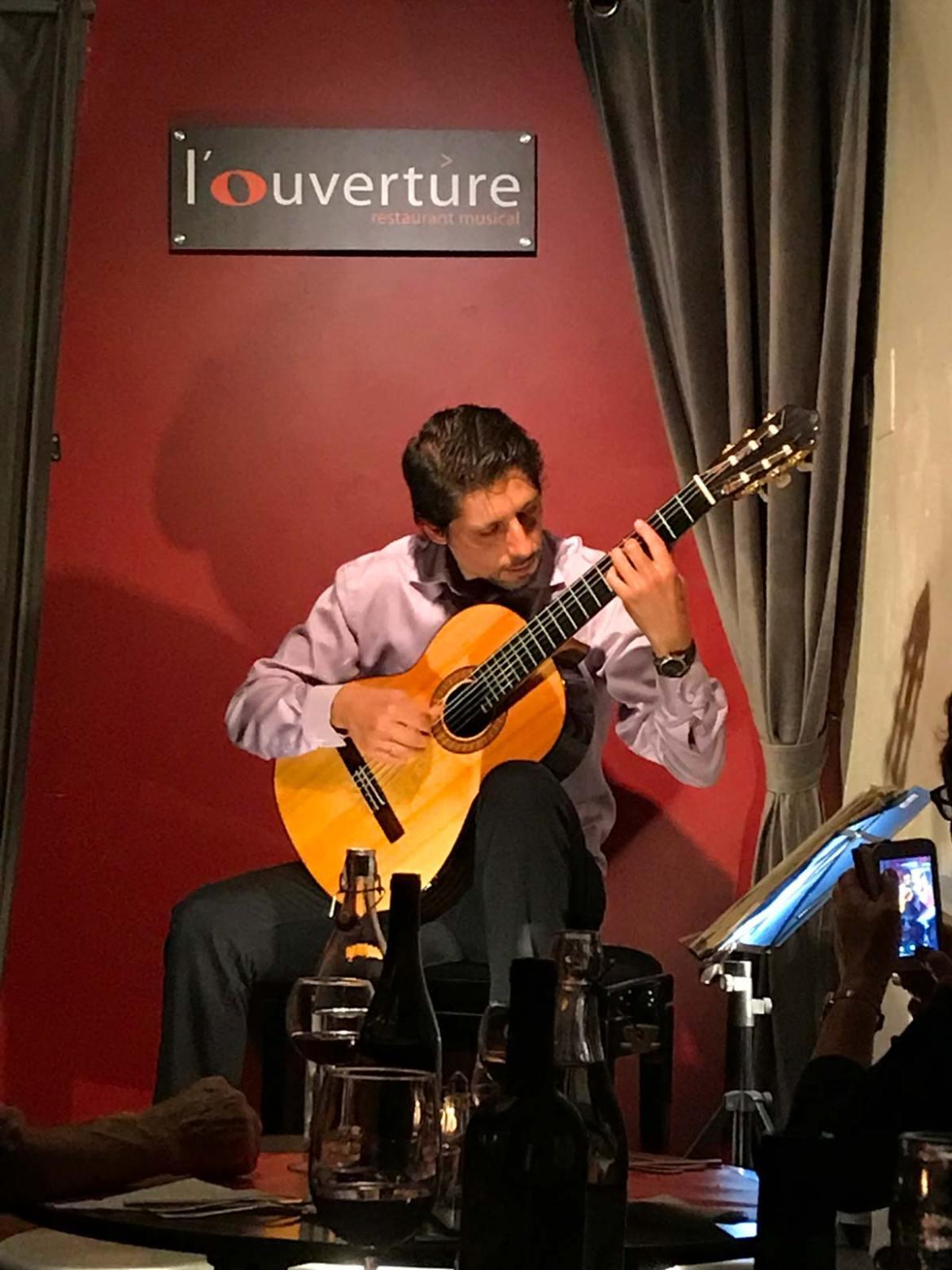 Toulouse, Frankreich, Essen, Musik, Gitarre
