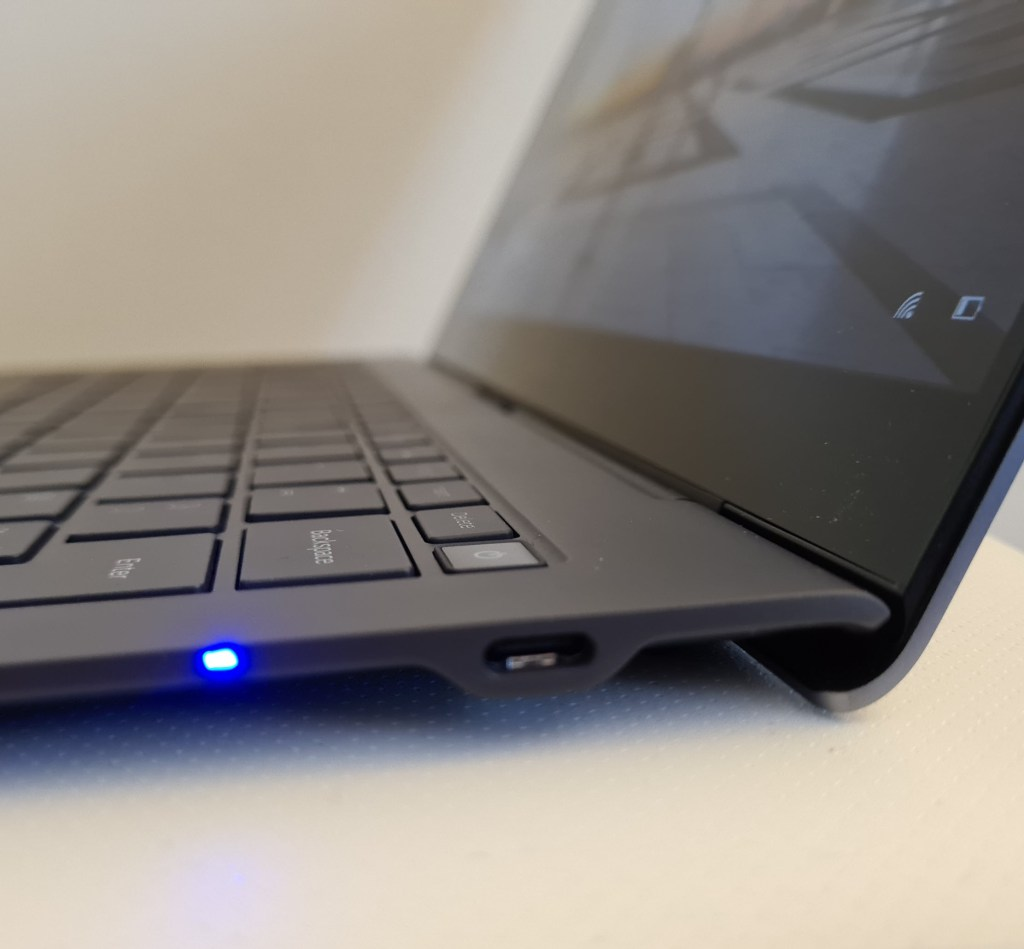 Samsung Galaxy Book S Intel screen hinge