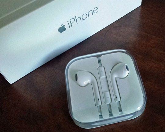 iPhone 6 earbuds
