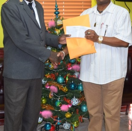 POLICE OFFICERS IN ST. KITTS AND NEVIS DONATE TO CHARITY