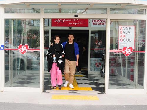 Gıda zehirlenmesinden hastaneye kaldırılan turistler taburcu oluyor