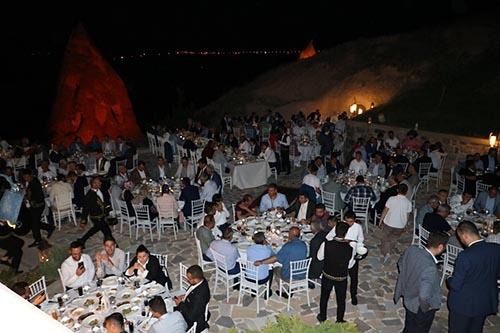 Başkan Süslü, Yerel Yönetimler teşkilatına yemek daveti düzenledi