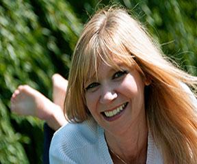 Clara Kensie Author Photo