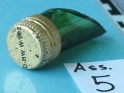 oelfleck verschluss flasche polizei-foto new-facts-eu
